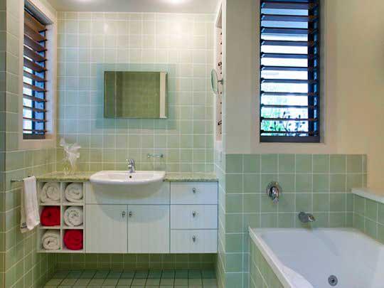 жалюзи в ванной комнате