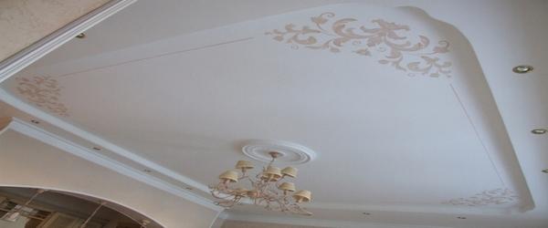 потолок в два уровня
