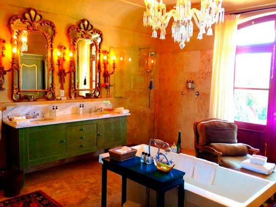 роскошь средних веков в ванной комнате